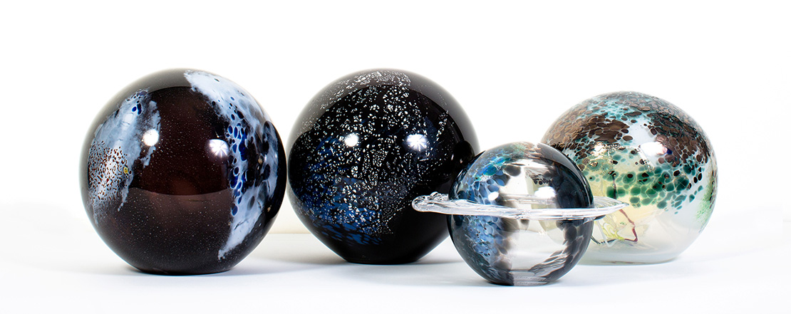 "Gillian McFarland, ""Space Globe"", glass & nitrates © Sarah Salotti"