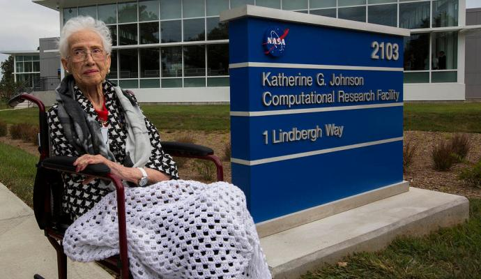 Katherine Johnson at the Katherine G. Johnson Computational Research Facility 2017 © NASA
