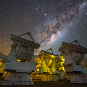 Atacama Large Millimeter/Submillimeter Array (ALMA) © Y. Beletsky (LCO)/ESO